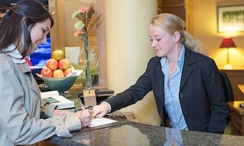 employment lawyers for hospitality leisure slough watford